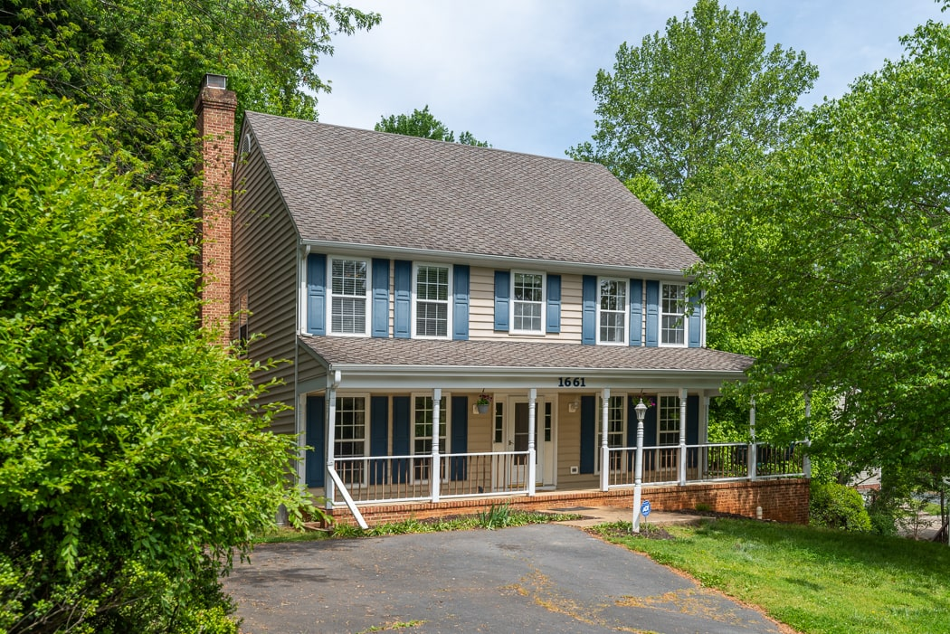 1661 Robin Hill Ct, Charlottesville, VA 22901