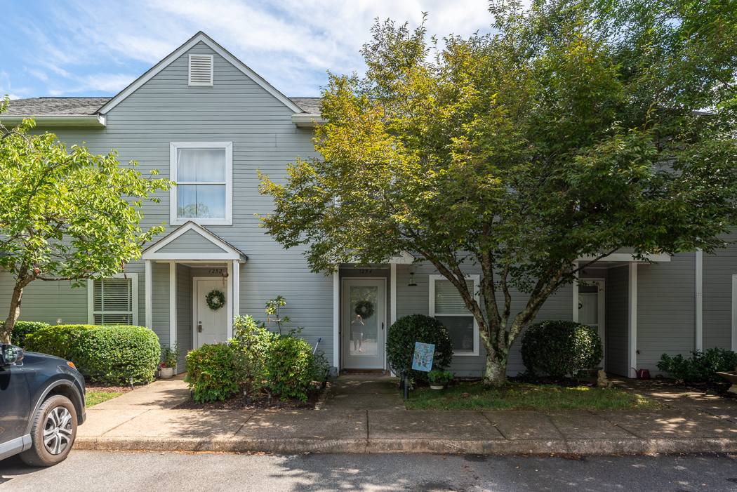 33MapleViewDr