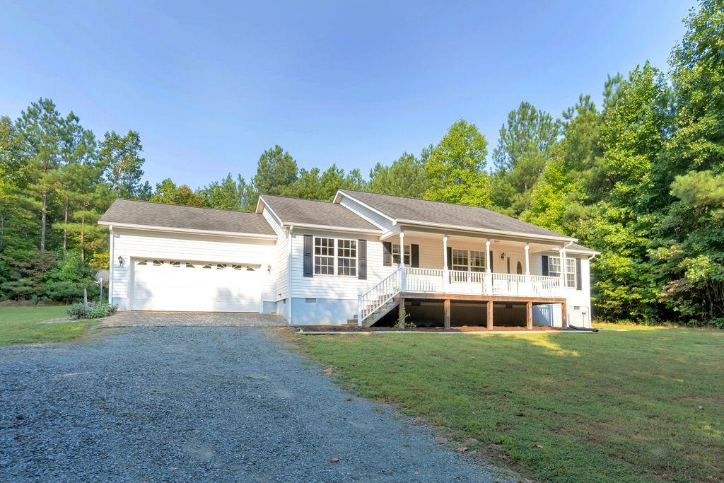 272 Ridge Lane, Scottsville, VA 24590