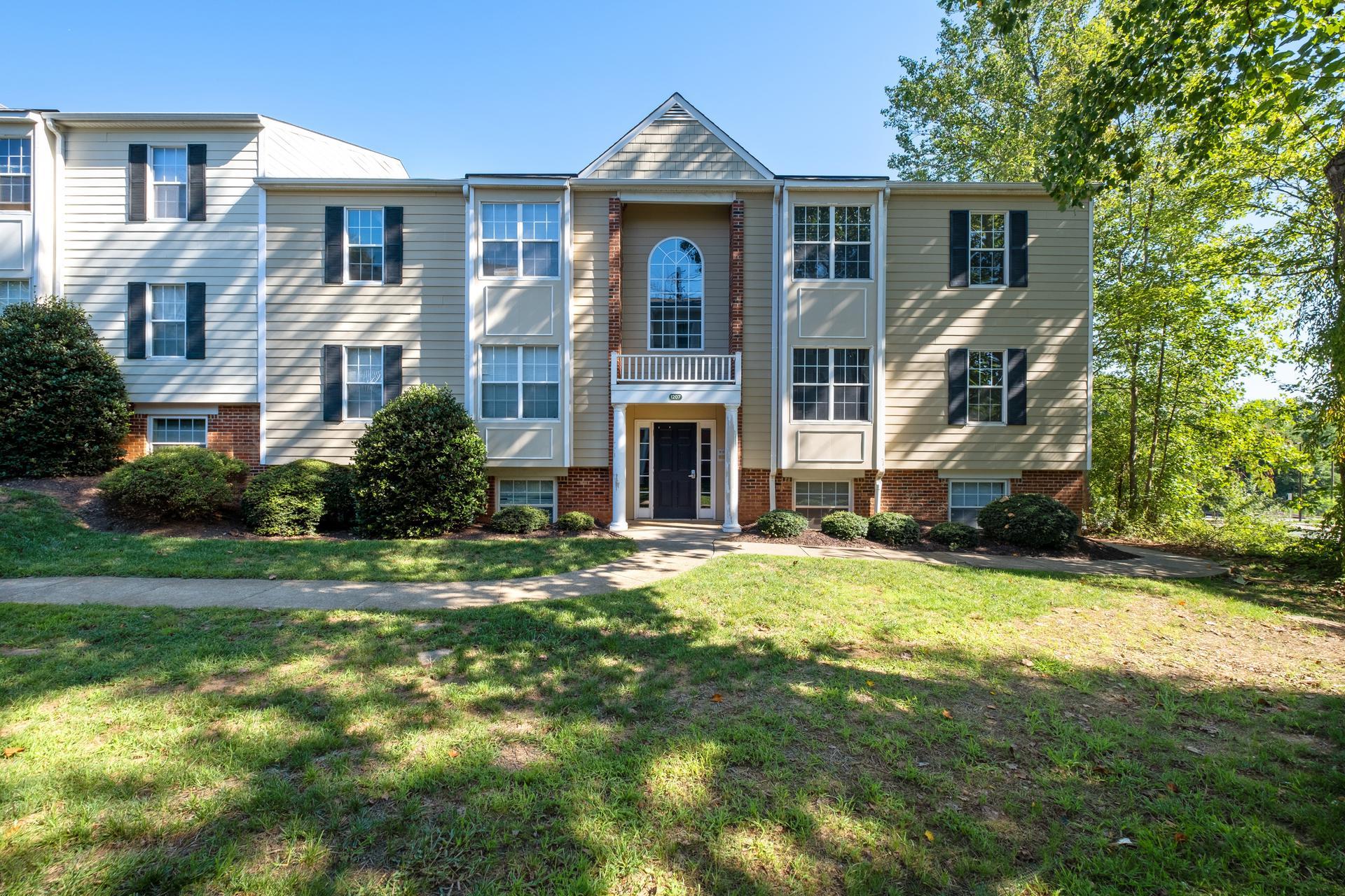 1207 Villa Ln, Unit F, Charlottesville, VA 22903